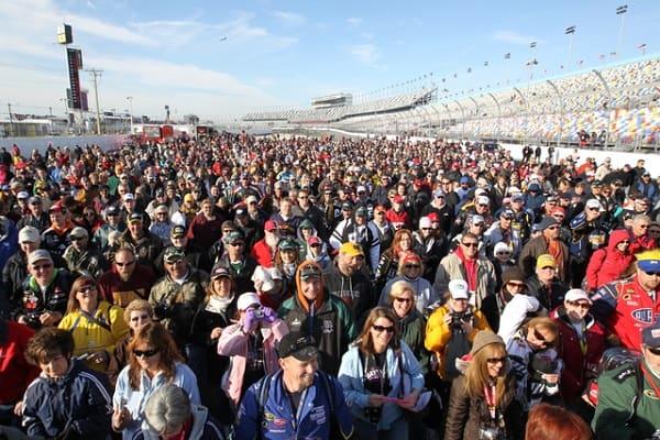 Daytona 500 attendance
